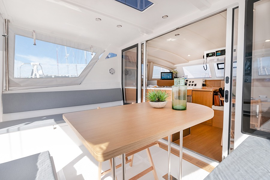 C-CAT 37 desing intérieur personnalisable C-Catamarans
