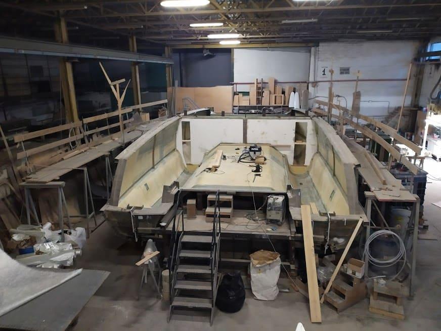 étape N° 5 de la construction du catamaran c-cat 37